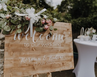 """Wedding """"Welcome to our wedding"""" wooden sign / Calligraphic sign with personalized text / Custom old rustic wood wedding decor"""