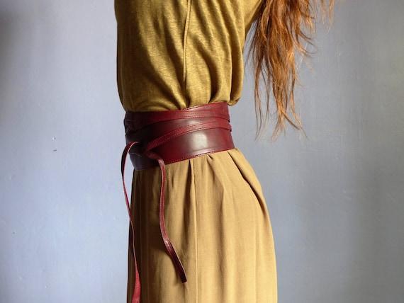 6a6d686a155f Ceinture large obi femme à nouer ,cuir souple bordeaux ,poche secrète