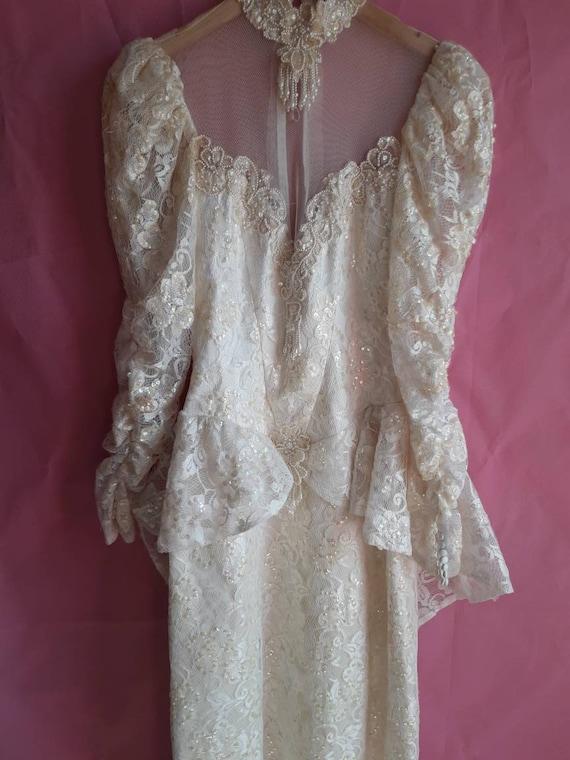 1970s Elegant Wedding Dress - image 2