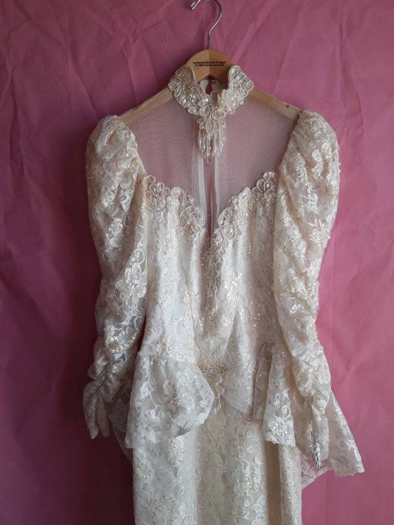1970s Elegant Wedding Dress - image 3