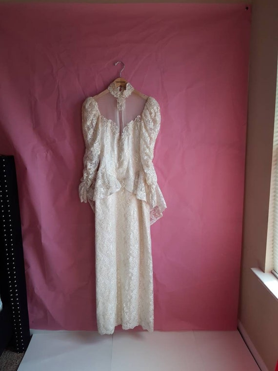 1970s Elegant Wedding Dress