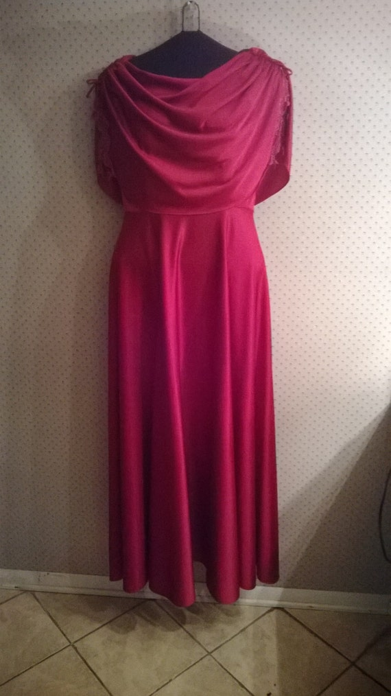 Dusty pink beautiful 1970s vintage gown