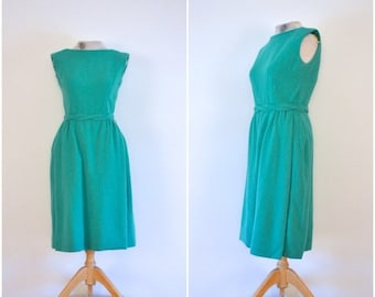 vente d'été / / 20 % de réduction / / laine d'écume de mer des années 1950 wiggle dress / / cinquante vert simple robe sans manches / / Secrétaire vert robe ajustée / / petit