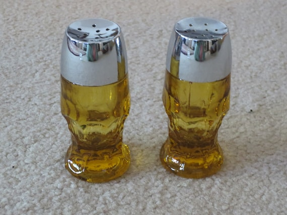 Vintage 1970s Anchor Hocking Georgian Pattern Amber Salt and Pepper Shakers