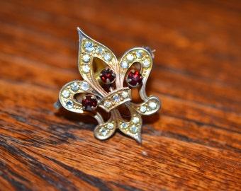 Vintage Fleur de Lis Pendant;  Fleur de Lis Brooch with Pendant converter/Gold Fleur de Lis; French Fleur de Lis
