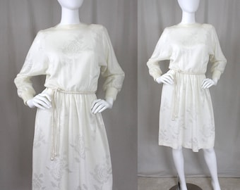 0f616a8708 Vtg Ivory Sweater Dress with Roses