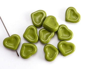 Green Heart Czech Glass Beads, (10 pcs) 14x12mm Heart Beads, HRT0091