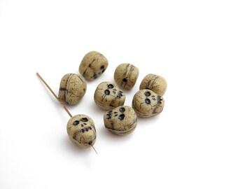 Beige Skull Czech Glass Beads, (8 pcs) 12x9mm Skull Beads, Beige Skull Beads, Czech Skull Beads, Glass Skull Beads, Halloween SKL0003
