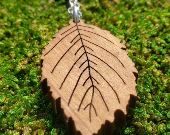 Alder Leaf Pendant in Pacific NW-grown Red Alder Wood with 925 Silver Chain