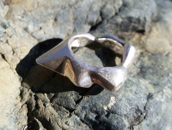 Size 7.5 Unisex Minerals Series Recycled Sterling Silver Ring