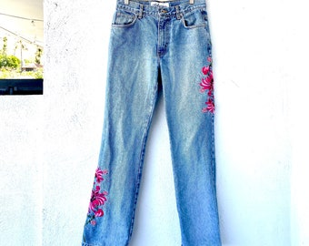 Vintage Y2K Jeans  Red Roses Jeans  Floral Embroidered Jeans  Stretch Skinny Jeans Size 25 XS  Black Denim  Mid Rise Ankle Length Jeans