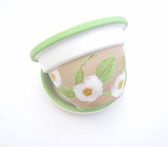 WHISPERING LEAVES - Hand Designed Plant Pot