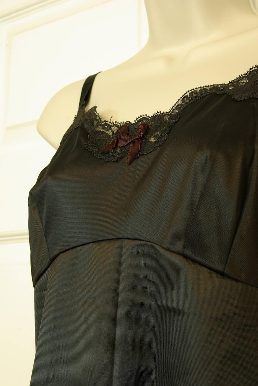 Jet Black Fitted Sears label Full Slip Lace Trim Burlesque VLV Mad Men Midcentury Hollywood Regency