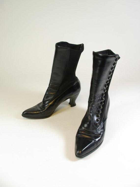 Stuart Weitzman Size 7.5 Victorian Style 80s Does