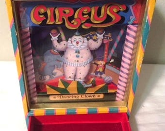 Vintage Musical Jewelry Box - Dancing Clown