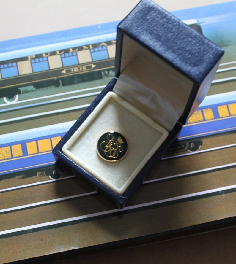 Venice Simplon Orient Express Enamel Pin Badge  In Original Presentation  Box  Gold on Navy Luxurious Design