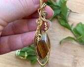Golden Tiger Eye with Labradorite: Personal Power & Confidence