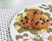 Sesame coconut cookie (gluten free & naturally sweetened) - recipe pdf