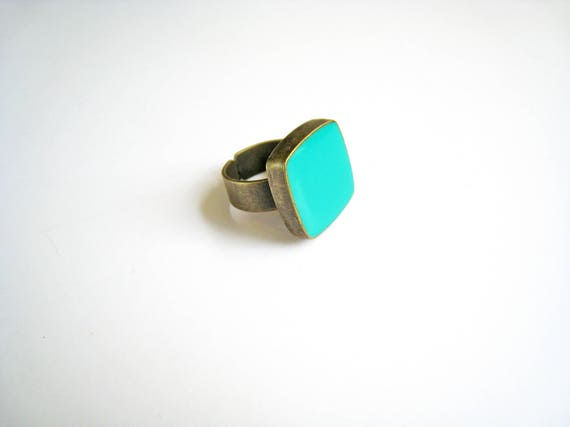 Light green statement ring, bronze mint green ring, light green resin ring, square ring, modern minimalist jewelry, color block jewelry