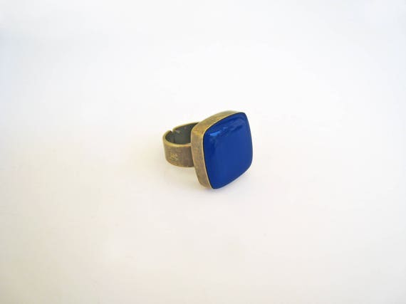 Lapis blue ring, bronze blue statement ring, lapis lazuli blue cobalt blue resin ring, square ring, modern minimalist jewelry, color block