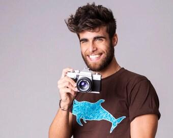 Camiseta Costurilla de hombre, personalizable. Ballena piloto. Calderón tropical. Ballenas en Tenerife.