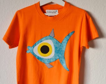 Camisetas de peces. Camiseta fula. Pez.  Fauna marina. Colgados por el mar. camisetas divertida. Camiseta pez Costurilla