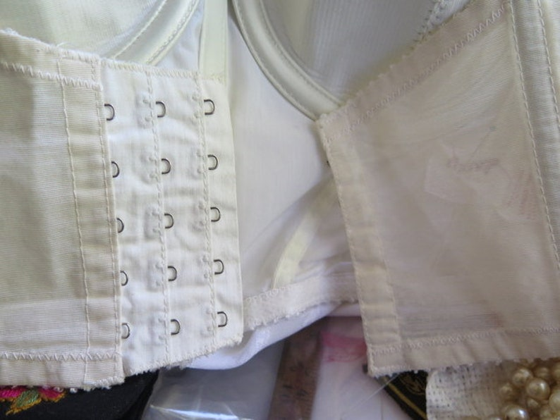 White Strapless bustier Vintage Bustier Bra Vintage Strapless Formfit BraFormfit Strapless Bra
