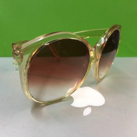 Foster Grant vintage sunglasses - Nude