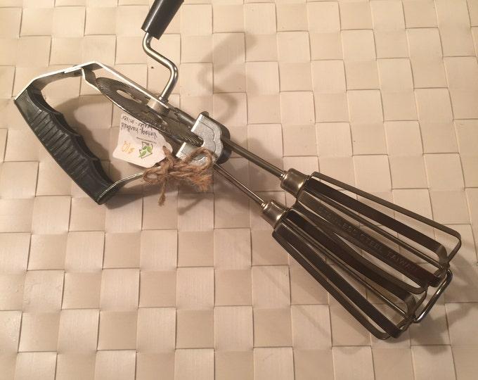 Vintage handheld Beater/Mixer