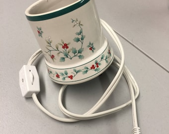 1990s The Winterberry Collection by Pfalzgraff ® - Candle Warmer