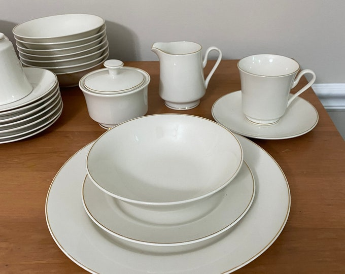 Gold Seal China - 41 pieces