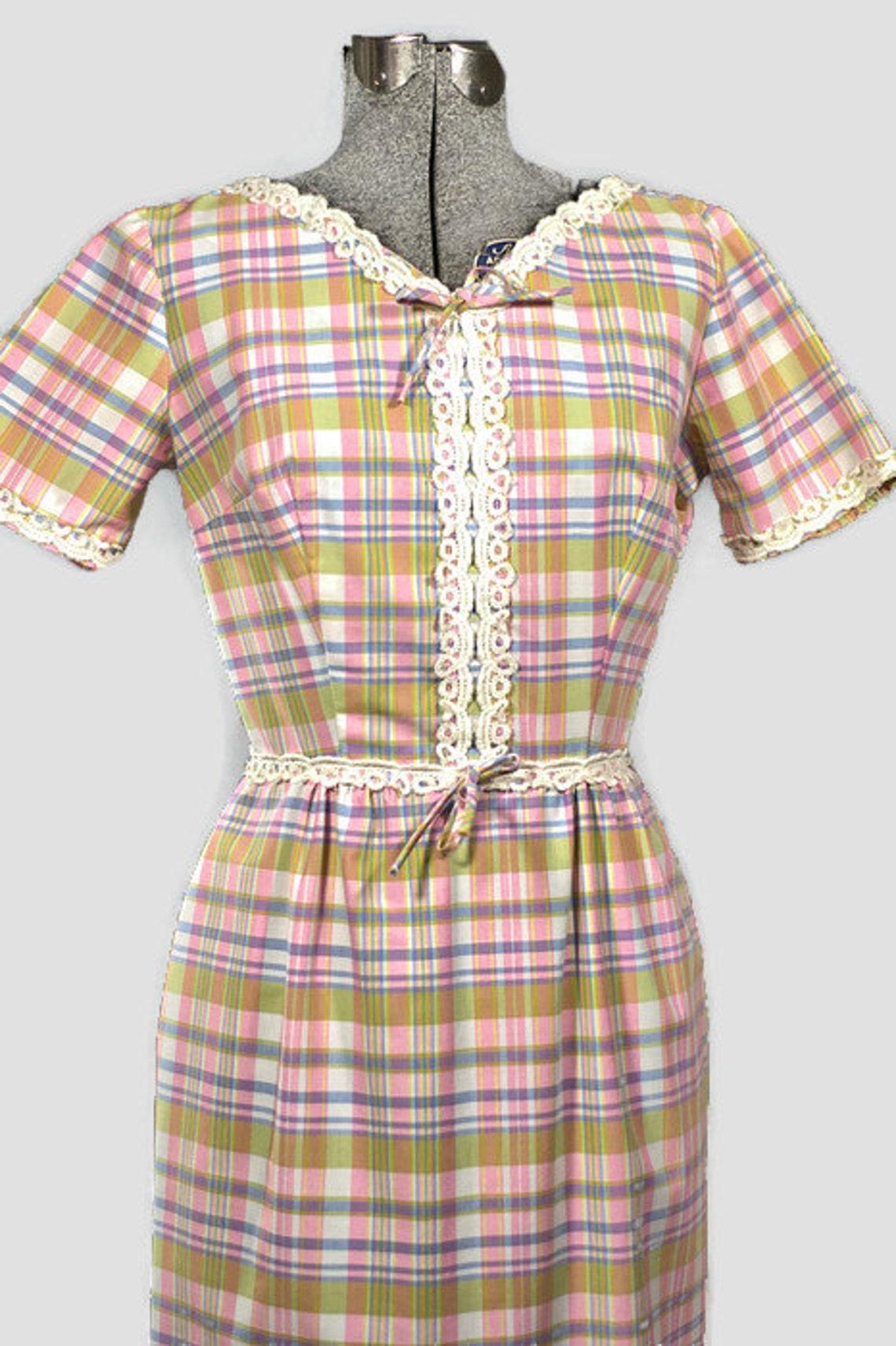 1960's Cotton Dress. Vintage Spring Cotton Plaid Shift