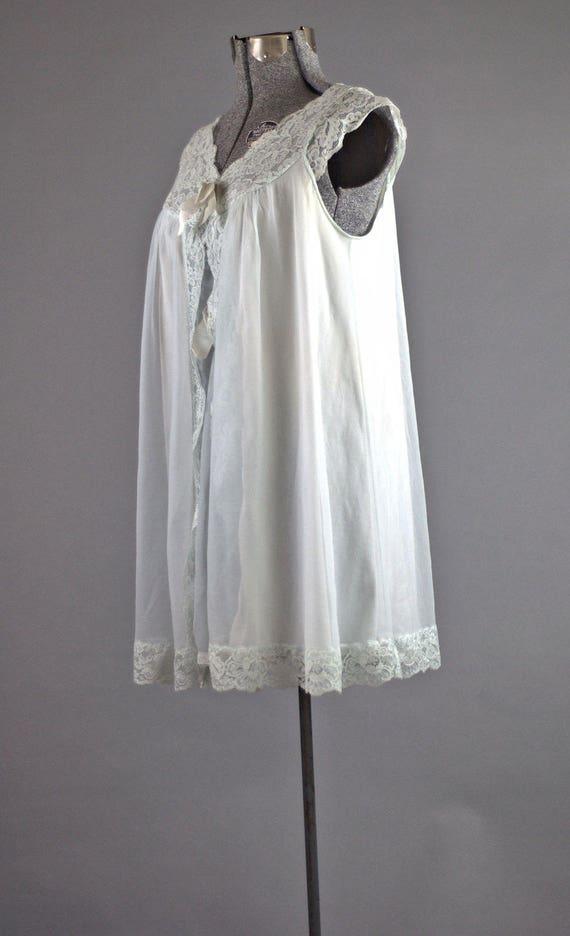 Vintage 1960 déshabillé. 1960 en Nylon mini nuisette chemise de nuit