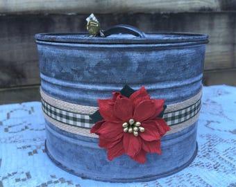 Christmas - Candle - Tin - Ponsettia  - Soy - Wax - Wood Wick
