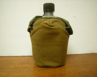 ea9ca65bb vtge military canteen-made in USA-canteen with cover-plastic-outdoor  activities-canvas cover-