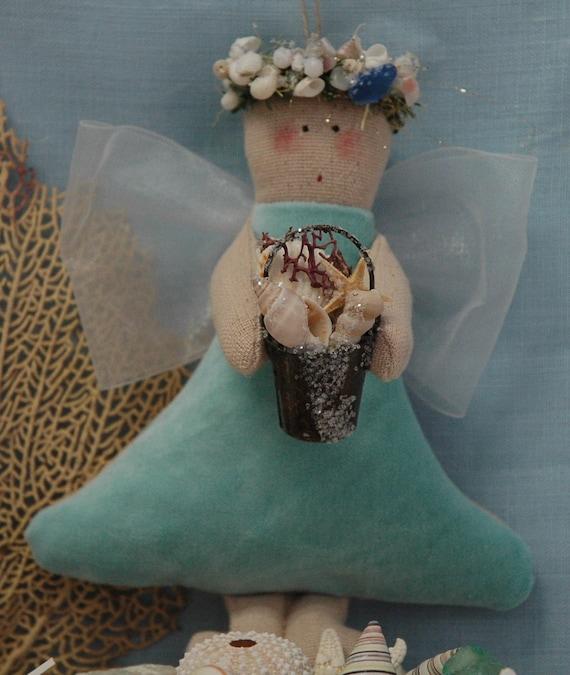 Folk Art Angel with Nature Wreath CA-54-NATURE-RW