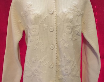 Vintage Montgomery Ward Women's pale yellow embroidered cardigan Size 34