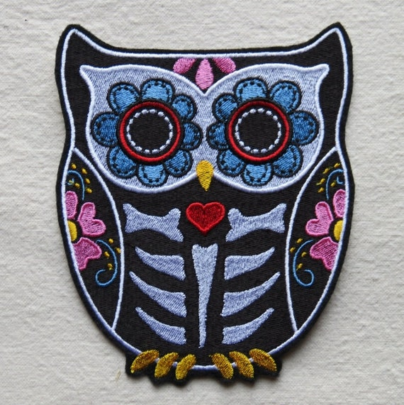 """Owl Bird Flowers Embroidered Iron On Applique Patch 3/""""H Wise"""