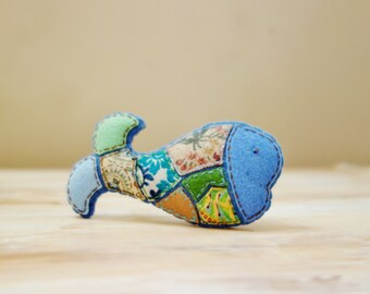 Blue Whale Brooch. Fabric Mosaic Textile Brooch. Felt Animal Brooch. Sea Creature Patchwork Brooch.