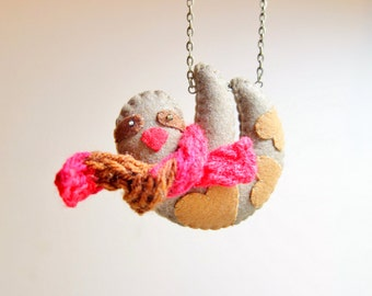Felt Sloth Necklace. Mini Red Muffler. Hand-knit Doll Scarf. Red Brown Long Necklace. Christmas Animal. Slow Life.