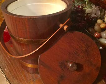 Lovely Reto ~ Vintage Solid Wood Ice Bucket with plastic liner ~ Barrel like wrapped with 2 metal straps ~ wood handle pivots on wood pegs
