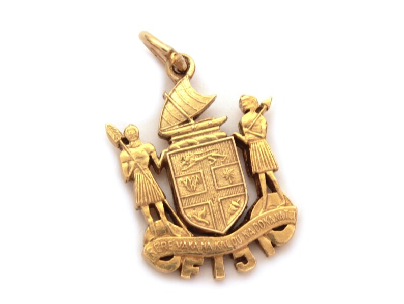 9ct Gold Vintage Fiji 9k Charm Oceania South Pacific Tour Travel Souvenir Charm Motto Fiji Islands Fiji Coat of Arms South Sea