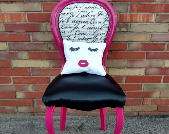 Frenchy Face Accent Chair