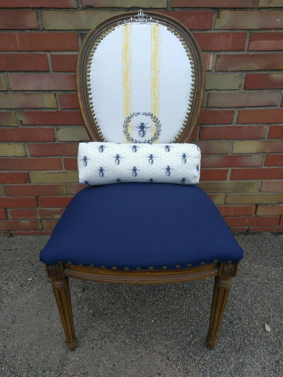 Queen Bee Accent Chair with Coordinating Pillow