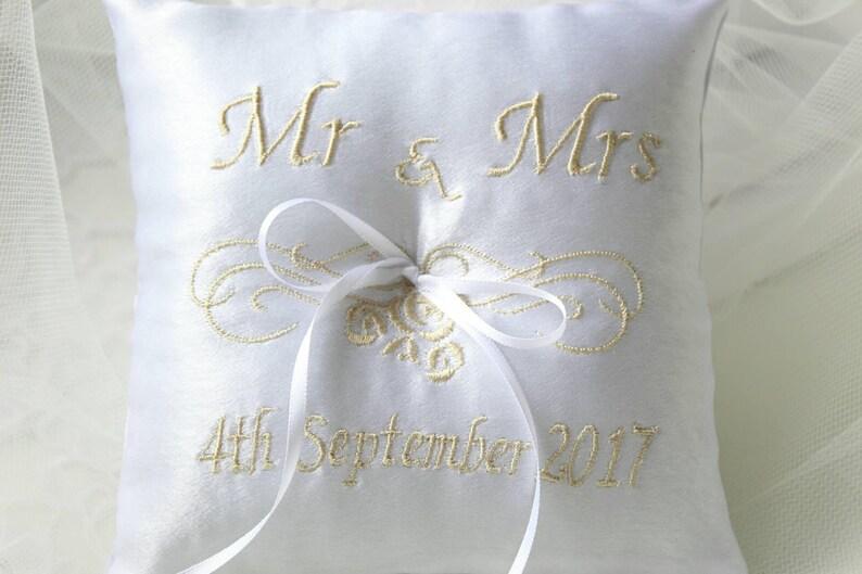 Ring Bearer Pillow Mr /& Mrs Monogrammed Ring Pillow Personalised Gift Custom Made Wedding Pillow White Ring Pillow Ivory Ring Pillow