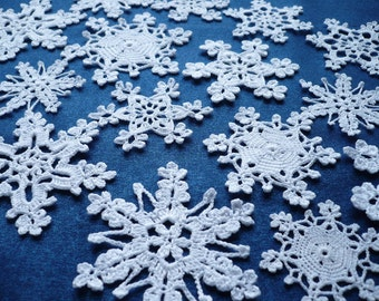White snowflakes Crochet snowflakes Winter decoration Christmas decoration Christmas tree decoration