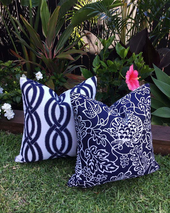 Blue And White Outdoor Cushions Pillow Covers Get Away Navy Coastal Hampton S Beach Style Blue Cushions Blue Outdoor Cushions Pillows