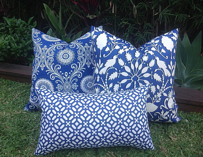 Outdoor Pillows Outdoor Cushion Cover Coastal Hampton S Style Blue And Cream Blue And White Cushions Blue Outdoor Cushions Pillows