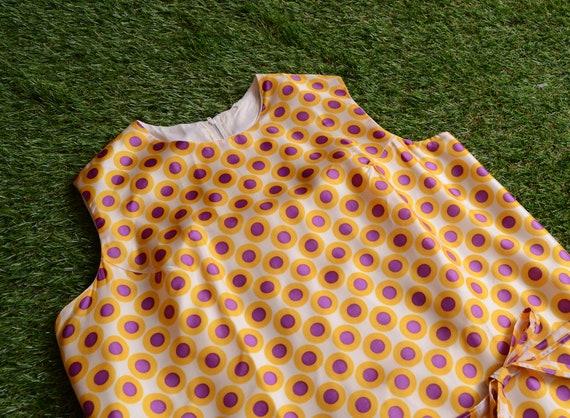 op-art plus size 60s dress