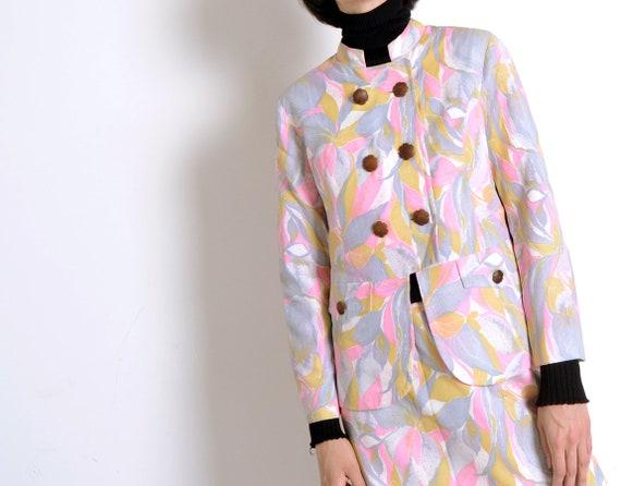 pastel mod 60s suit
